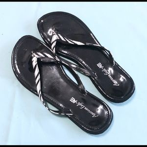 AE Patent Leather Zebra Print Flip Flop Size 8